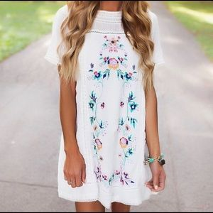 Umgee White Floral Embroidered Dress small NWT
